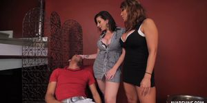 Ava Devine and Sarah Jay with son\'s friend - AvaDevine