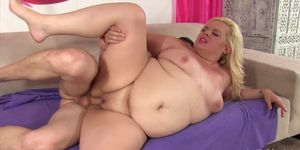 Blonde fatty fucks and makes a guy cum