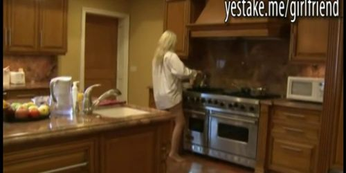 big boobs blonde gf exchange making breakfast for riding dick