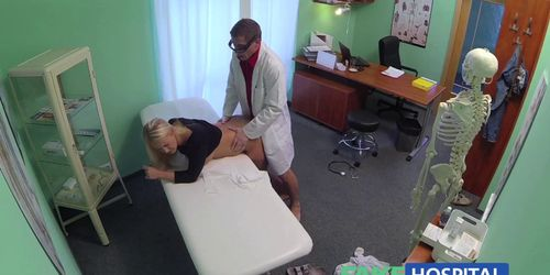 Doctors cock heals sexy squirting blondes injury