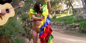 Beautiful latina bombshell helps celebrate cinco de sexo