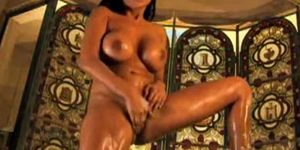Luscious Indian babe getting soapy