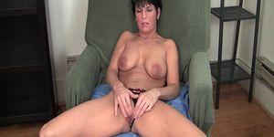 MILF Kassandra\'s Uninhibited Orgasm