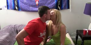 College amateurs pussylicking and cocksucking