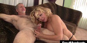 Granny hairy pussy fuck Porn Videos