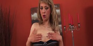 sexy mom fisting and squirting