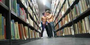 berlin boys - couple wank in library