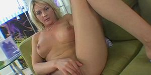 Sexstarved blonde sindy langes beaver is destroyed