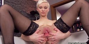 Unusual czech cutie stretches her spread hole to the extreme
