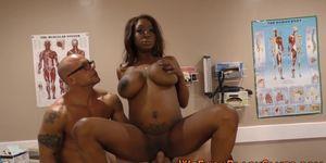 Pregnant ebony babe gets creampied