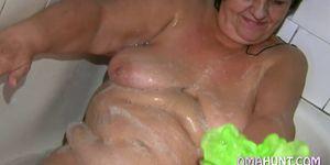 Chubby wives have secret lesbian fun Porn Videos