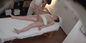 Small Teen didn\'t Expect Clit Massage