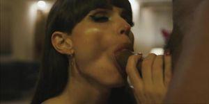 Hot TGirl Natalie Mars disfruta montando tíos BBC en estilo vaquera