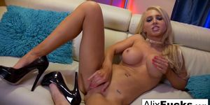 Solo action starring porn starlet Alix Lynx