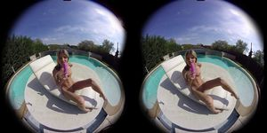 Gina Gerson Plays by the Pool 180 VR 60 FPS