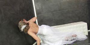 Bukkake bride gets cummed Porn Videos