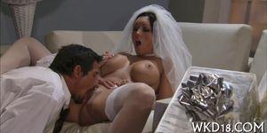 Babe seduces one fellow