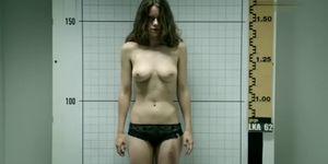 Alice Dwyer nude - Im Alleingang Elemente des Zweifels - 2012