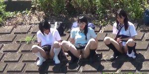 Adolescentes asiáticos lluvia dorada