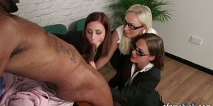 CFNM Babes Blow Big Black Rod