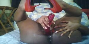 Ebony Amateur S Soaking Wet Pussy Squirting All Over The Bed