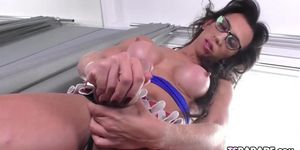 Latin Trans Girl Paloma Veiga Masturbates