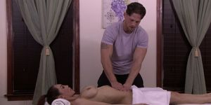 Massage loving tranny teases her masseuse