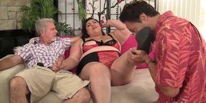 BBW Bella Bendz takes 2 cocks