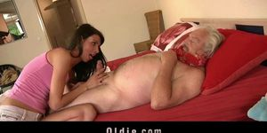 Young girl gets grandpa dick inside her pussy Porn Videos