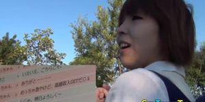 Adolescente japonesa sopla polla