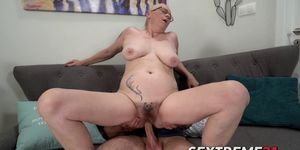Mature vixen Violett Rob passionately dicked before creampie