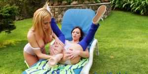 Les Ass Gapes Outdoors Getting Toyed