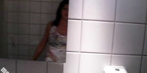 German Amateur Slut - Bathroom BBC Blowjob Porn Videos
