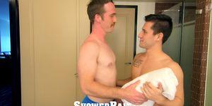ShowerBait Shower cogida íntima con los tíos Alex Gray y Nate Stetson