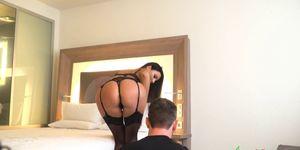 Photo porno tres sexy - Ania, actrice porno très professionnel  fait une séance photo qui finis très bien ...