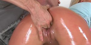 Horny Fingers Heat Up The Blonde