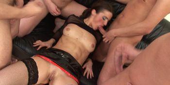 Mature Slut Maria In A Gang Bang_1920x1080_4000k