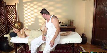 Hottie tricked by masseur