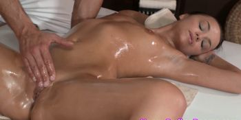 Classy babe pussyfucked after sixtynine