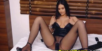 Hot Teen Maturbating Inside Her Stockings