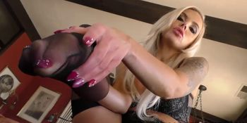 Interracial Foot Fetish Porn with Nina Elle