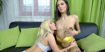Horny ho gets fisted and fingered