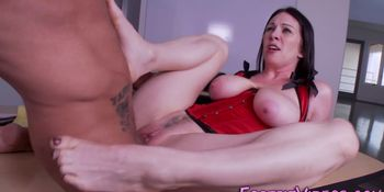 Squirting ho feet jizzed