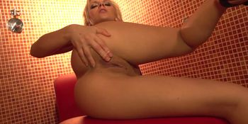 Small Blonde Squeals When She Squirts