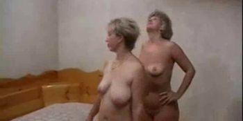 Russian mature women fucks in the pool