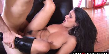 Tanned Cutie is Addicted to Cocks
