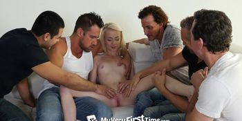Pornstar Maddy Rose tries her first gangbang
