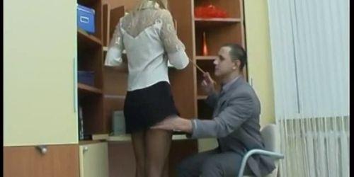 потом прикольно вуку официант трахнул жену босса тому