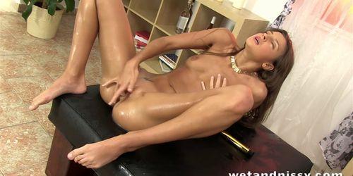 Horny babe Melena fingers her pissy pussy